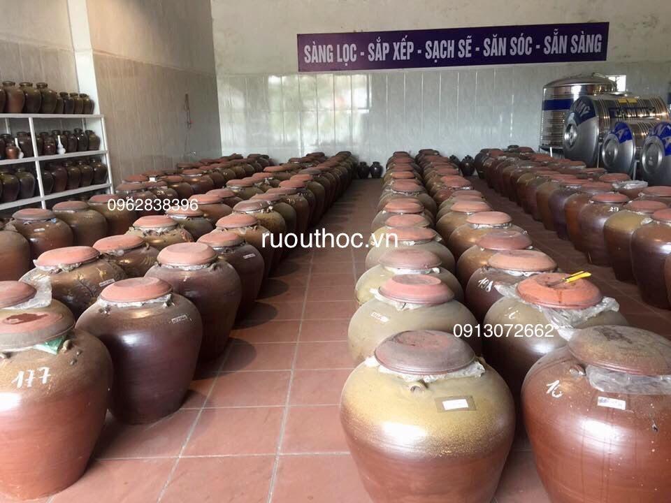 Kho trưng bày và bán sản phẩm rượu dân tộc truyền thống của công ty