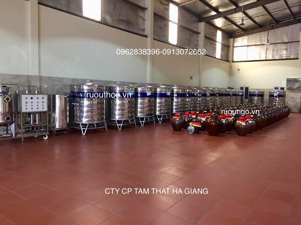 Nhà xưởng sản xuất rượu thóc được đầu tư bài bản