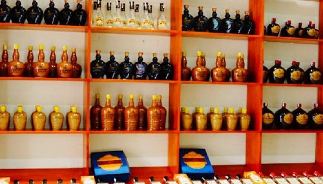 Nơi trưng bày bán rượu thóc Lào Cai rât phong phú