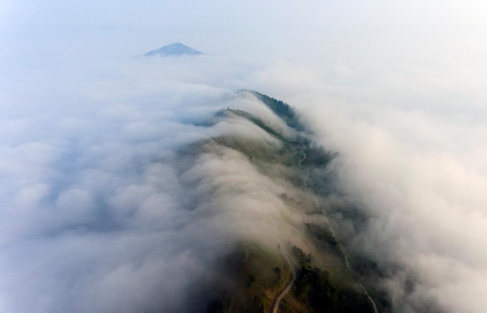 Dẫy Tây Côn Lĩnh huyền thoại quanh năm sương mù