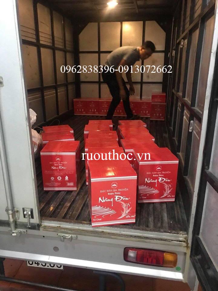 Vận chuyển rượu thóc Nàng Đôn tới các đại lý trên toàn quốc