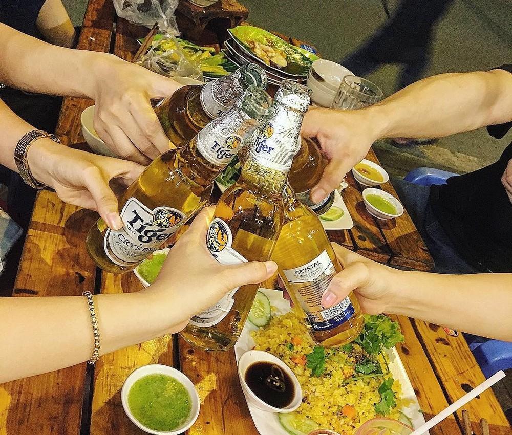 Người miền Nam thường sử dụng bia để nhậu nhẹt.